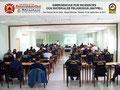Vista general central del aula de clases con los participantes.