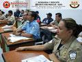 Detalle de los participantes en el salón de clases.