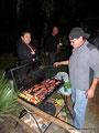 Peru_Caraz_Hausherr grillt für uns