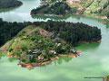 Kolumbien_Guatapé_Sicht von oben über den See8