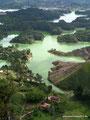 Kolumbien_Guatapé_Sicht von oben über den See3