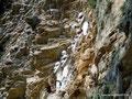 Peru_Karajia_Sarkophagi in der Felswand3