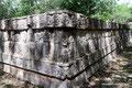 Mexiko_Yucatán Halbinsel_Chichén Itzá_Mauer der Totenköpfe2