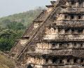 Mexiko_Zentrale Atlantikküste und Puebla_El Tajín_Pyramide der Nischen9