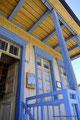 Chile_Insel Chiloé_Chonchi_Gelb und blau