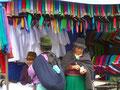 Ecuador_Otavalo_Kleider