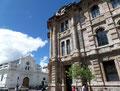 Ecuador_Cuenca_Justizpalast und alte Kathedrale