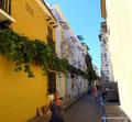 Kolumbien_Cartagena_Simone auf gelb