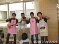 児童館でのイベント後、メンバーで記念撮影。