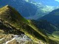 Blick über den steilen Abhang des filzenkogel ins Zillertal