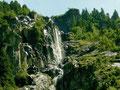 Schöner beeindruckender Wasserfall