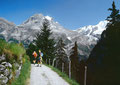 Der Weg aus dem Sefinental nach Gimmelwald - immer Jungfraumassiv und Rottalgletscher-Umrahmung vor Augen..