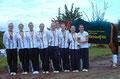 Juniorteam mit Goldmedallien und Sieger-Pokal
