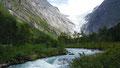 Approche du glacier de Briksdal