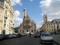 Arrivée sur l'église St-Etienne-du-Mont (Ste-Geneviève)