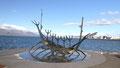 La statue Solfarid bâteau viking et squelette de baleine
