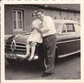 Birgitta mit Vater Heinz Lindermann, Borgward Isabella, 1954