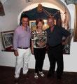 """19 luglio 2014 - Taranto, galleria comunale del castello aragonese. Mostra """" Segni e colori """" Foto ricordo, da sn. : Vincenzo Santoro, Sara Andriolo Nicola Giudetti."""