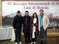 """5 gennaio 2011 - Mottola ( Ta ) - 45^ rassegna internazionale di pittura """" Artisti a confronto """". Nella foto da sinistra: Andrea e Vincenzo Santoro, la pittrice Lucia La Sorsa, Enzo Massimillo."""