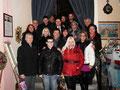 """6 dicembre 2012 - Taranto, Ex Chiesa Madonna della Scala. Inaugurazione rassegna d'Arte """" La città e il Natale 2012 """". Foto di gruppo con Amici Artisti del Circolo Culturale """" F.lli Rosselli """"."""