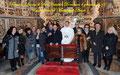 """4 gennaio 2015 - Taranto, Duomo di San Cataldo. Foto di gruppo con Don Marco a fine celebrazione della Santa Messa degli Artisti nel bellissimo """"cappellone"""" della cattedrale. (  Foto di Pasquale Raffo )"""