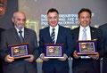 Foto ricordo con due autorevoli Componenti del Comitato d'Onore: il Colonnello Carabinieri (RIS) Nicolò Mazzaccara (a sx) e il Dr. Alfonso Galasso, Commissario della Polizia di Stato (a dx).  (Studio Italphoto Mesagne)