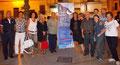 """18 agosto 2012 - Mottola ( Ta ). XI rassegna pittorica """"Artisti sotto le stelle"""" organizzata da Giovanni Rogante con il patrocinio del Comune di Mottola. Foto ricordo degli Artisti con il Sindaco Pinto.  (Foto di Ida Luzzi)"""