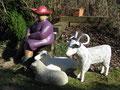 Betonfiguren-Gartenfiguren-Schafbock stehend und Lamm liegend
