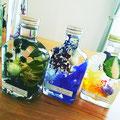 ウィスキー型の瓶