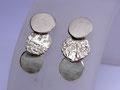 Drei Silberscheiben mit unterschiedlicher Oberflächenstruktur, mattiert, geschlagen und geschwärzt, leider verkauft
