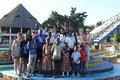 """Gruppenbild im """"Wet^n wild"""" Wasserpark"""