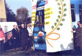 Foto: Archiv WVV, symbolisch durchbricht der erste Zug eine Papierwand in Heidingsfeld