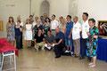 Foto di gruppo Artisti (rassegna d'Arte Frammenti di Arcobaleno invadono il Castello presso il Castello De Falconibus di Pulsano. (Foto di F. Paolo Occhinegro)