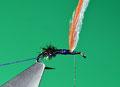 con il filo di montaggio, sollevare l'ala in polipropilene