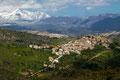 San Benedetto in Perillis, panorama con la catena Del Gran Sasso
