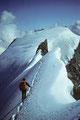 Rückmarsch zum Grand Gendarm 3870 m mit Wellenkuppe 3903 m