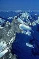 Dent d´Herens  4172m  am Horizont Gran Paradiso  4061m