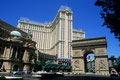 """Themen-Hotel """"Paris""""  mit 2916 Zimmern und 7896 m2 Casino-Fläche"""