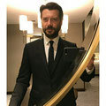 Álvaro Morte de VRL   PACO VARELA en los Premios Planeta. Madrid, 15 Octubre 2017.