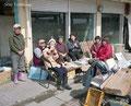 福島県いわき市 小名浜港 小名浜港のお店の後片付けに来て昼食を食べていた皆様。