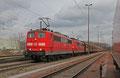 Mit ca. acht Stunden Verspätung stehen am 20.02.14 DT 151 026 + 151 036 mit GM 48770 nach Oberhausen West auf der Dillinger Hütte zu Abfahrt bereit.