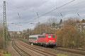 140 569 , vermietet an DB-Fernverkehr , mit Schadwagenüberführung LPF 48131 Saarbrücken Hbf - Frankfurt-Griesheim