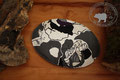 Traubenkernkissen grosser Saphir | Oval | Farben: verschiedene Grautöne, Weiss, Violett