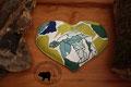 Traubenkernkissen Herzform Muster: verschiedene Grüntöne, Weiss, Blau