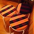 武蔵野美術大に通う友達がラオスで仕入れた生地を使って椅子のクッションを作ってくれました。ナイスセンスと技術。大感謝です。