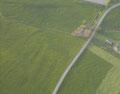 gerade verlaufender Graben - Norden ist hier oben, Süden unten