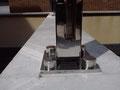 Detalle soporte inox para baranda cristal, en Viladecavalls