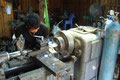 laotische Hilfe für die Gummi Out Geschichte