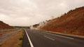 Ralf Seeger auf dem Rückweg in der Region Leon, wo militante Autonome eine Autobahn blockierten. Die Guardia Civil rückte mit Tränengas und Sturmgewehren vor, Ralf Seeger half der Behörde die Autobahn von Leitplanken und Steinen zu befreien. Ein sehr gefä