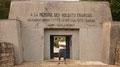 Und hier an einem weiteren Kriegsmonument in Verdun, am Grab der Bajonette.